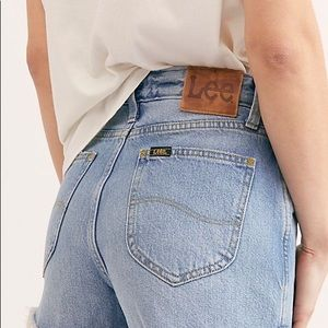 [Lee] Vintage High Rise Booty Jean Shorts